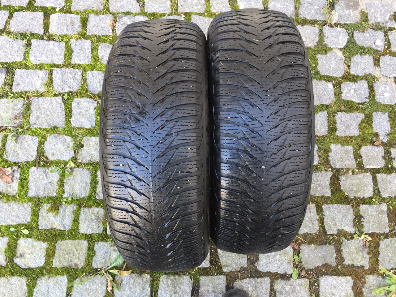 Goodyear Ultra Grip 8 185/60/15 84T
