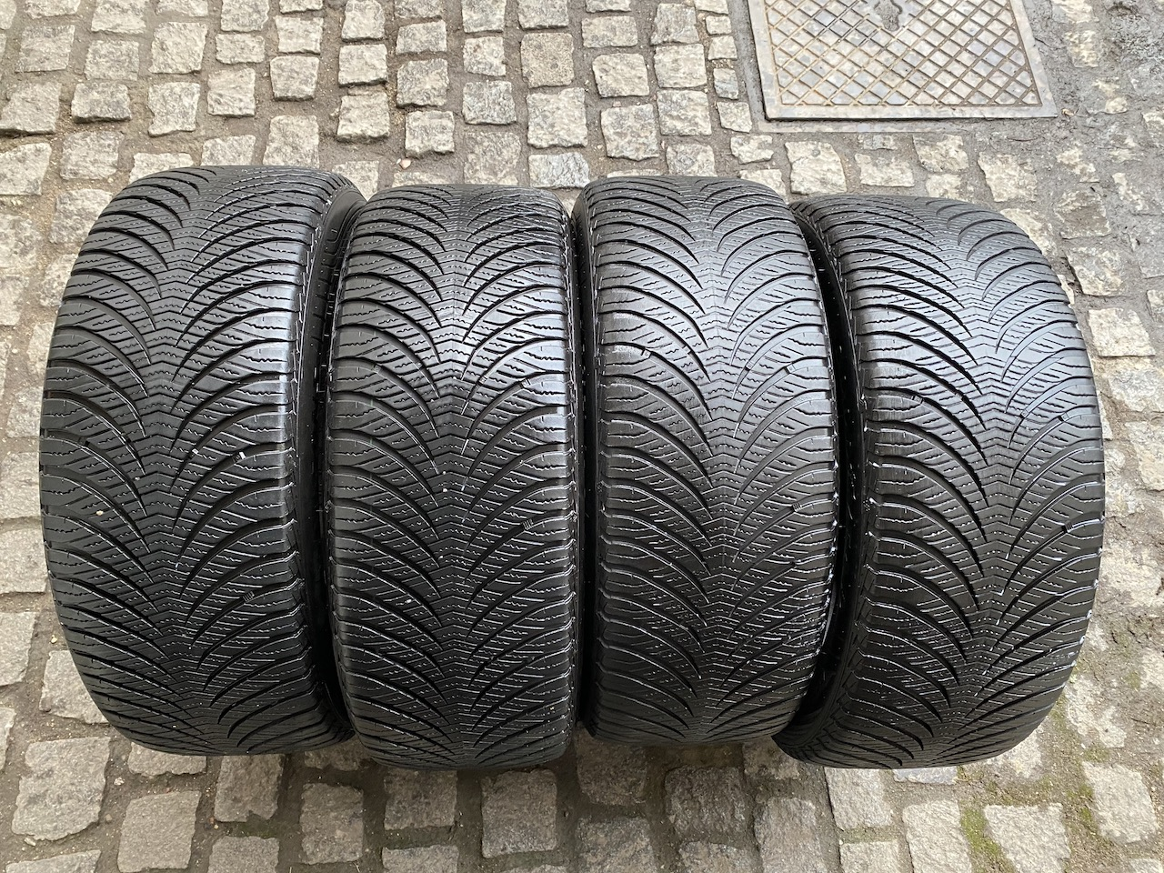 Goodyear Vector4Seasons 225/55/17 97V